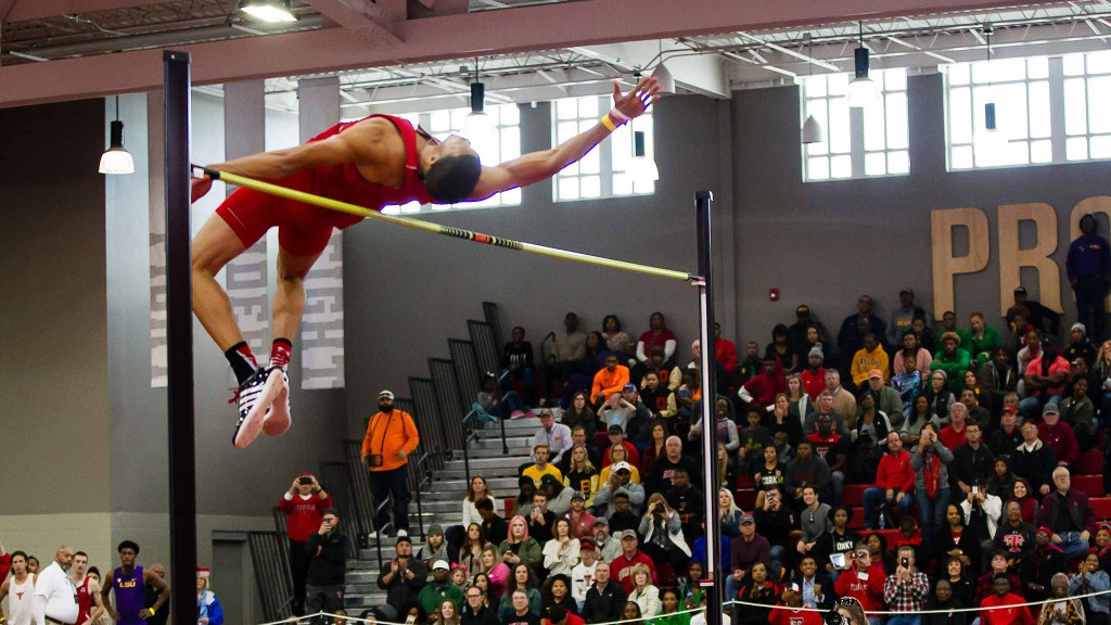 Trey Culver clears the bar for a new school record