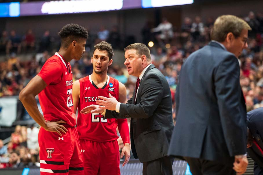 Chris Beard talks to Jarett Culver and Davide Moretti