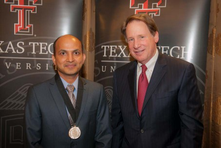 Venugopal Mendu and Chancellor Robert Duncan
